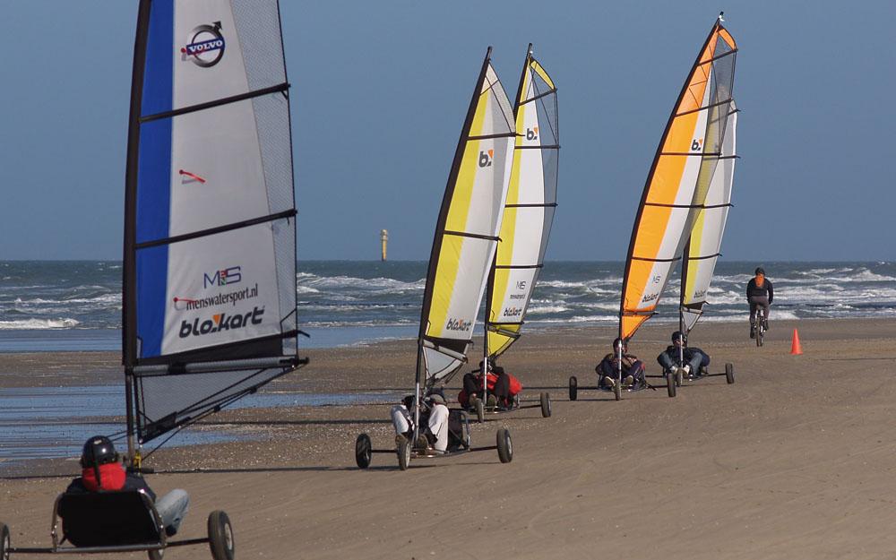 blokarten strandzeilen op het strand van Texel voor groepsuitjes en bedrijfsuitjes Actief op Texel
