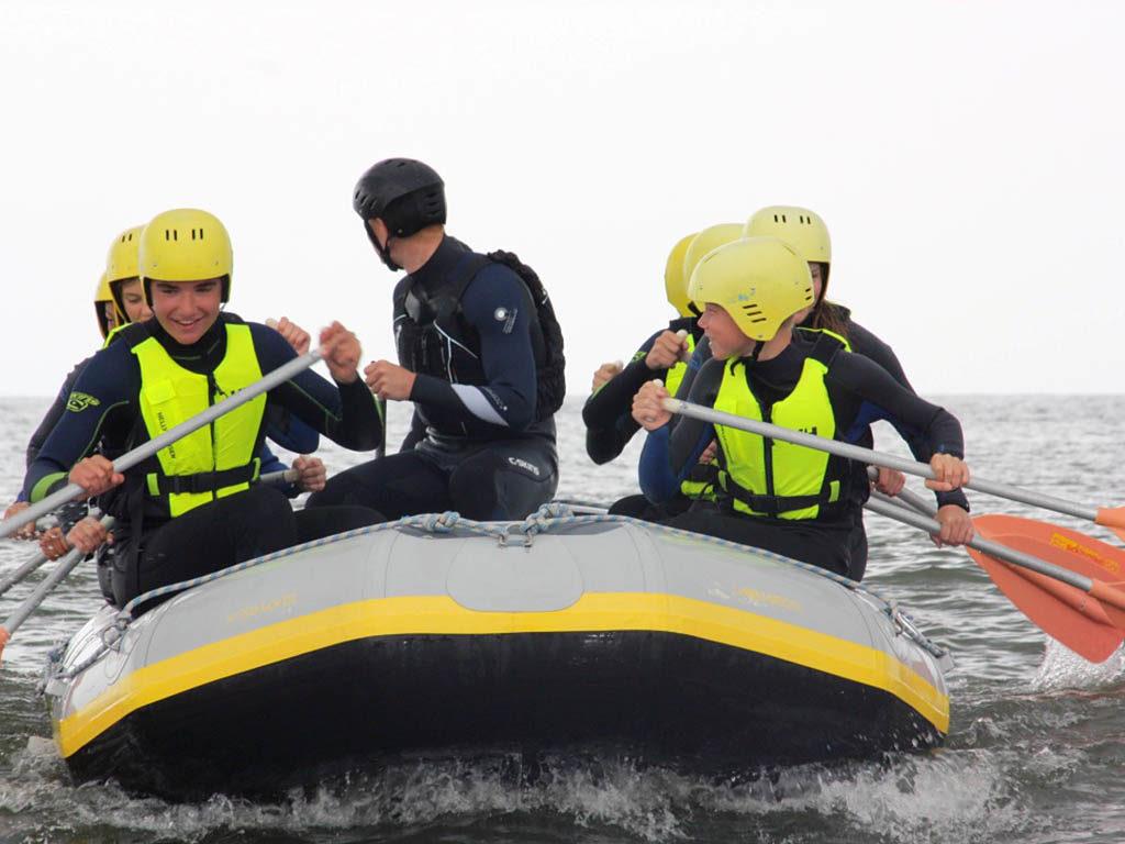 Coastraften brandingraften bij Zandbank Texel voor bedrijfsuitje groepsuitje en schoolreis, actief op Texel
