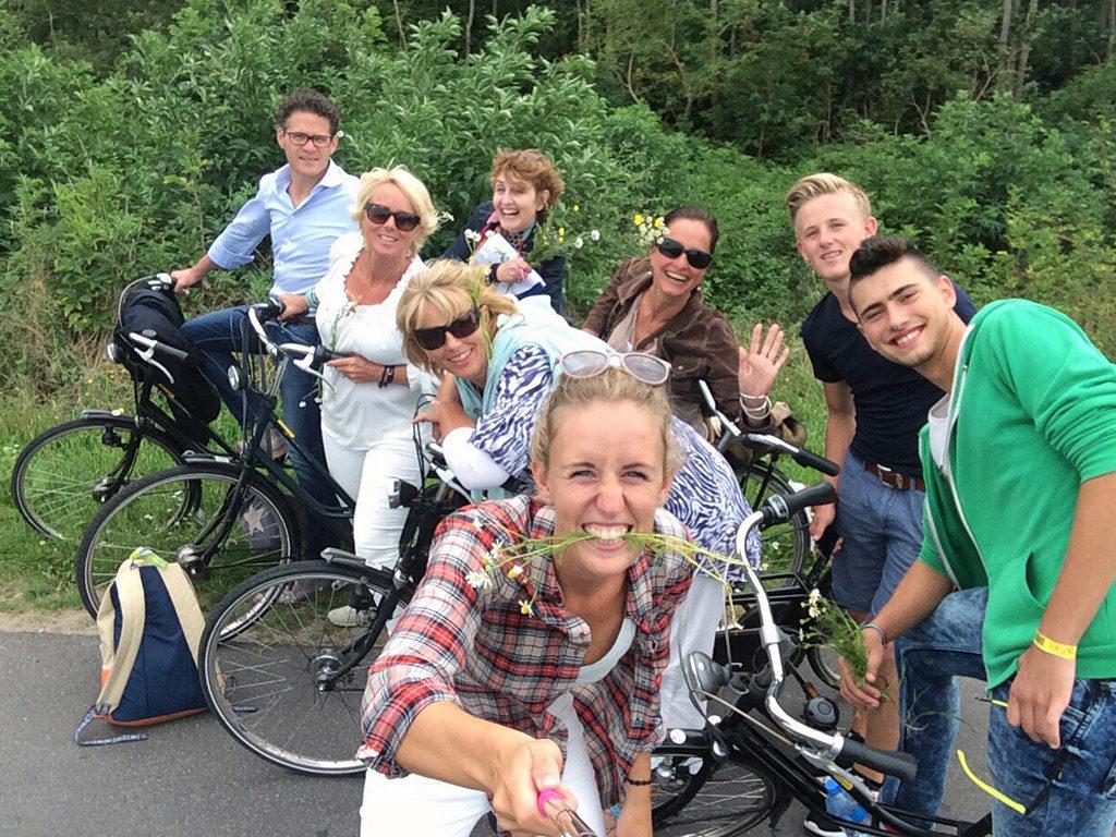 Bikehike Fietspuzzeltocht bij Zandbank Texel - groepsuitjes bedrijfsuitjes en teambuilding Texel - strand Paal 17 Actief op Texel
