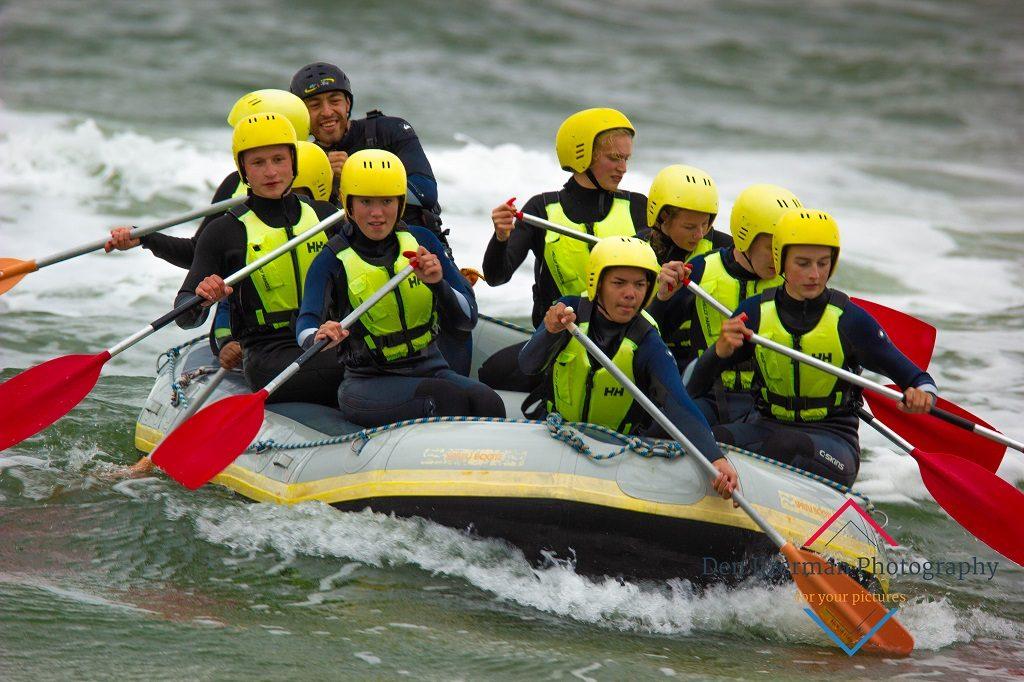 Coastraften en Powerkiten op het strand van Texel voor bedrijfsuitje, groepsuitje, schoolreis, teambuilding op Texel, actief op Texel