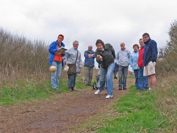 Klootschieten met Zandbank Texel - groepsuitjes bedrijfsuitjes schoolreis en teambuilding Texel - strand Paal 17 Actief op Texel